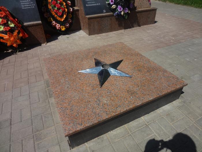 Мемориал Танкисты Гранит Емельяновский Гранит Габро