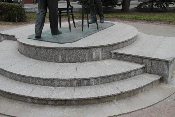 Памятник Циолковскому Китайский гранит