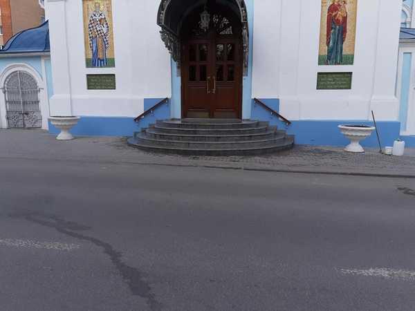 Церковь на Николо Козинкого Калуга Комбулатовикий гранит